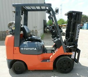 Toyota Model 7fgcu25 2004 5000 Lbs Capacity Great Cushion Tire Forklift