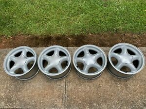 4 Ford Mustang Gt 16 Inch 5 Star Pony Wheels