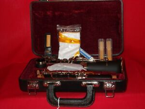 CLARINET Bb ROY BENSON BLACK COMPACT HARD CASE REEDS SWABGREASE NEW