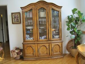 Vintage Country French Hutch Drexel Heritage Furniture Solid Wood Good Condition