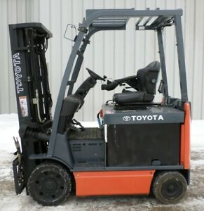 Toyota 8fbcu25 2011 5000 Lbs Capacity Great 4 Wheel Electric Forklift