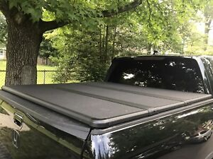 Genuine Oem 2017 2020 Honda Ridgeline Hard Tonneau Cover Only Used 3 Times