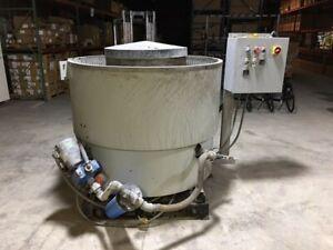 used Large Volume Gray Industrial Wet Vibratory Machine With Stones