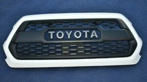 Oem Toyota Tacoma Trd Pro Grille And Insert Fits 2018 2021 Super White 040