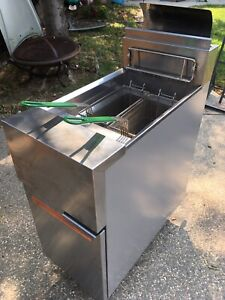 Frymaster Gf14sd Deep Fryer Used For 3 Days Almost Brand New