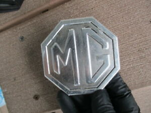 Vintage Mg Grill Or Dash Emblem 3 Mount Push On Pins Mga Or Mgb Year Unknown