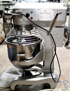 Commercial 20 Qt Sentinel Dough Mixer With Stainless Steel Beat And Whip