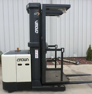 Crown Model Sp3210 30 2003 3000 Lbs Capacity Order Picker Electric Forklift