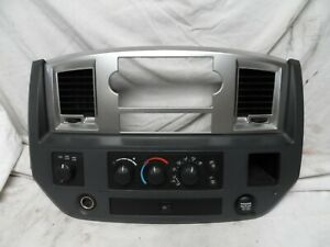 2008 2011 Dodge Ram 1500 Climate Control Panel Dash Radio Trim Heat 55057079