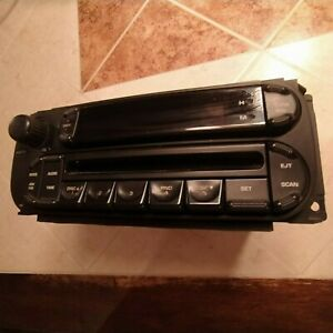 2002 2005 Dodge Ram 1500 Am Fm Cd Player Radio Receiver 63473