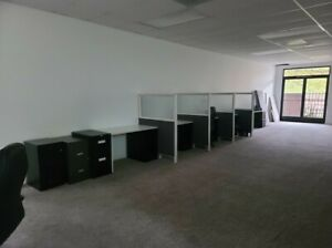 Used Office Cubicles W Attached Filing Cabinet Drawer 4 Unites W 4 Dividers