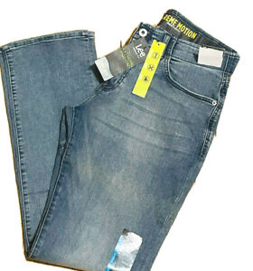 LEE EXTREME MOTION Jeans Regular Fit Bootcut Leg Stretch Flex Waist Theo Light $27.95