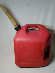 Clean Midwest 5 Gallon Red Plastic Gas Can With Spout Vent