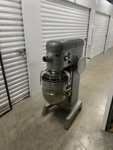 Hobart D340 40 Qt Quart Mixer W Safety Cage Hook Paddle And Wire Whip