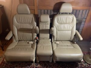 2010 Honda Odyssey Exl Tan Leather 2nd Row Seats Excellent Condition
