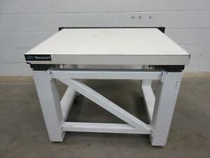 Newport Zeiss 27738 Pneumatic Leveling Isolation Table T94382