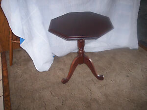 Mahogany Octagon Shape Lamp Table Side Table T390