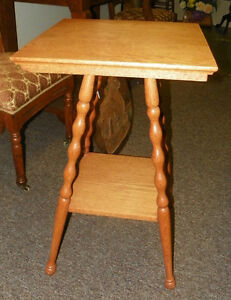 Light Oak 2 Tier Lamp Table Side Table With Turned Legs T293
