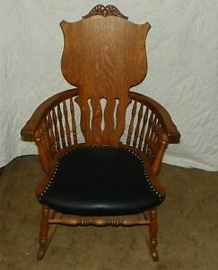 Quartersawn Oak Carved Spindle Arm Rocker Rocking Chair R4