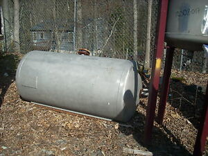 12008 018 300 Gallon Stainless Steel Vertical Tank