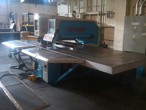 Euromac Model Zx1000 30 Hydraulic Punch Press