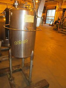 12118 129 30 Gallon Stainless Steel Vertical Tank