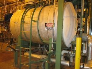 12118 119 Approximatley 1250 Gallon Horizontal Stainless Steel Tank