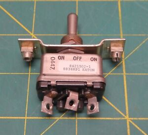 Eaton 8836kp1 Toggle Switch 3 position 220vac 28 Vdc 84215021 Nsn 5930012312513