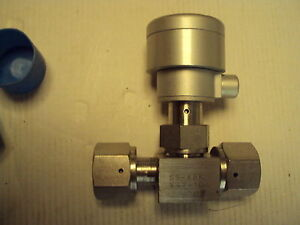 Swagelok Nupro Valve Bellows Sealed Ss 8bk v47 1c 1 2 Fvcr In out Unused