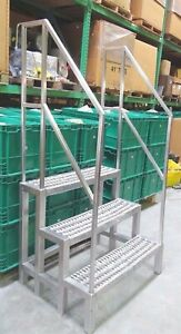 Food Service Industry Stainless Steel Stairs Multi purpose sanitary Locations