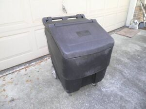 Continental 9725 Con serv 125lbs Mobile Ice Bin On Wheels Restaurant Bar Party
