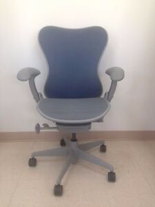 Herman Miller Mirra Office Desk Chair In Excellent Condition