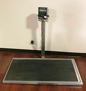 Auto 300 Floor mounted Electronic Platform Scale Suburban Surgical 300 Lbs