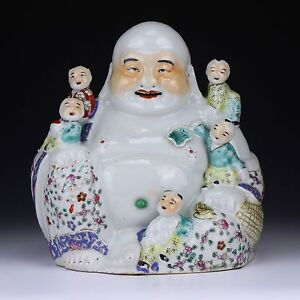 A Chinese Antique Famille Rose Porcelain Buddha Minguo Period