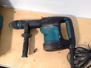 Makita Hm0870c Concrete Demolition Hammer Demo Breaker Chipping Electric Jack