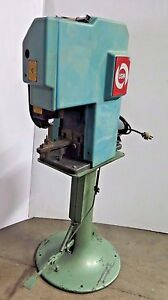 Usm United Shoe Machinery Eyelet Machine Rivet Riveter
