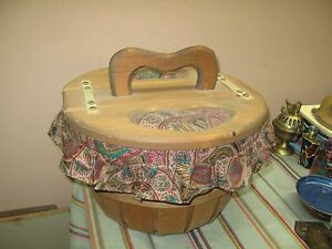 Vintage Primitive Shaker Split Wood Sewing Box Pic Nic Basket Fabric Lined