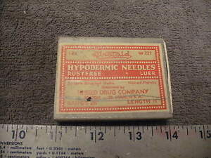 Vintage Firstaid Hypodermic Needle Box With Tray Two Needles With Clean O