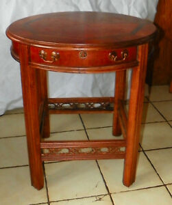 Mid Century Round Mahogany Inlaid Top Lamp Table Parlor Table By Lane T25