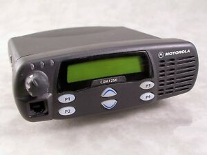 Motorola Cdm1250 Vhf 64ch 45w Mobile Radio W new Accessories