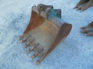 30 Excavator Bucket W teeth Fits Many Makes models Bobcat John Deere Etc