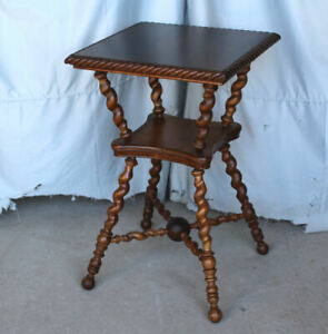 Antique Oak Lamp Small Table Extra Fancy Turned Spiral Shaped Spindles