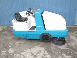 355 Tennant Sweeper Gas Powered