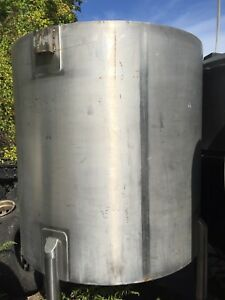 12622 003 Used Approximately 750 Gallon Vertical Stainless Steel Tank