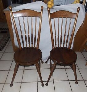 Pair Of Solid Oak Beehive Spindle Back Sidechairs Chairs Sc81