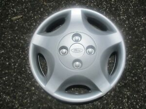 One 2001 To 2004 Ford Focus 14 Inch Hubcap Wheel Cover