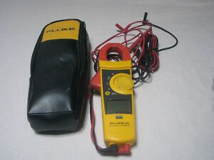 Fluke 335 True Rms Clamp Meter W case Used