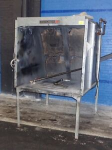 Devilbiss Paint Spray Booth 48 w X51 5 x43 h 05181120011