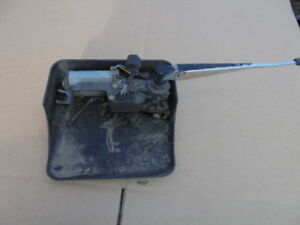 1992 95 Jeep Yj Wrangler Rear Hard Top Liftgate Wiper Motor With Cover Arm