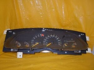 Speedometer Instrument Cluster Dash Panel Gauges 1993 Camaro With 167 649 Miles